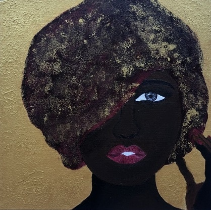 Cuadro pintado a mano de la artista Carmen D de una africana con turbante de nebulosa, de cosmos, como rojo marrón y doradosobre fondo dorado pintado con acrílicos liquitex y golden sobre lienzo de lino